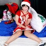 クリスマスにサンタクロースの服を着てセックスする、AV女優を許さない!